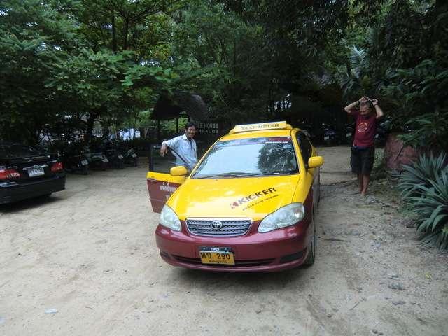 Mr. TEE mit seinem Taxi