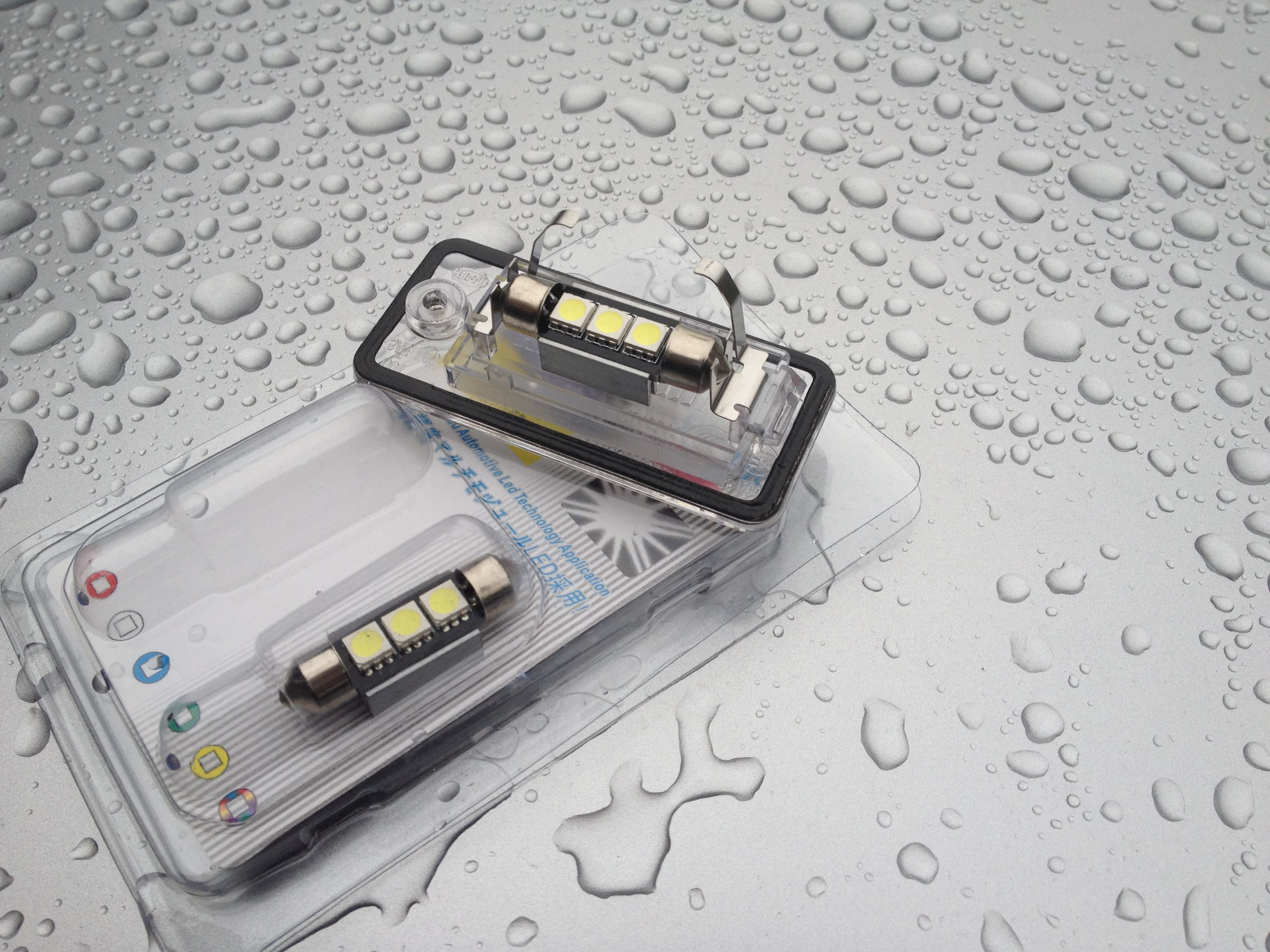 1x Audi A4 B6 Bright Xenon White 3SMD LED Canbus Number Plate Upgrade Light Bulb